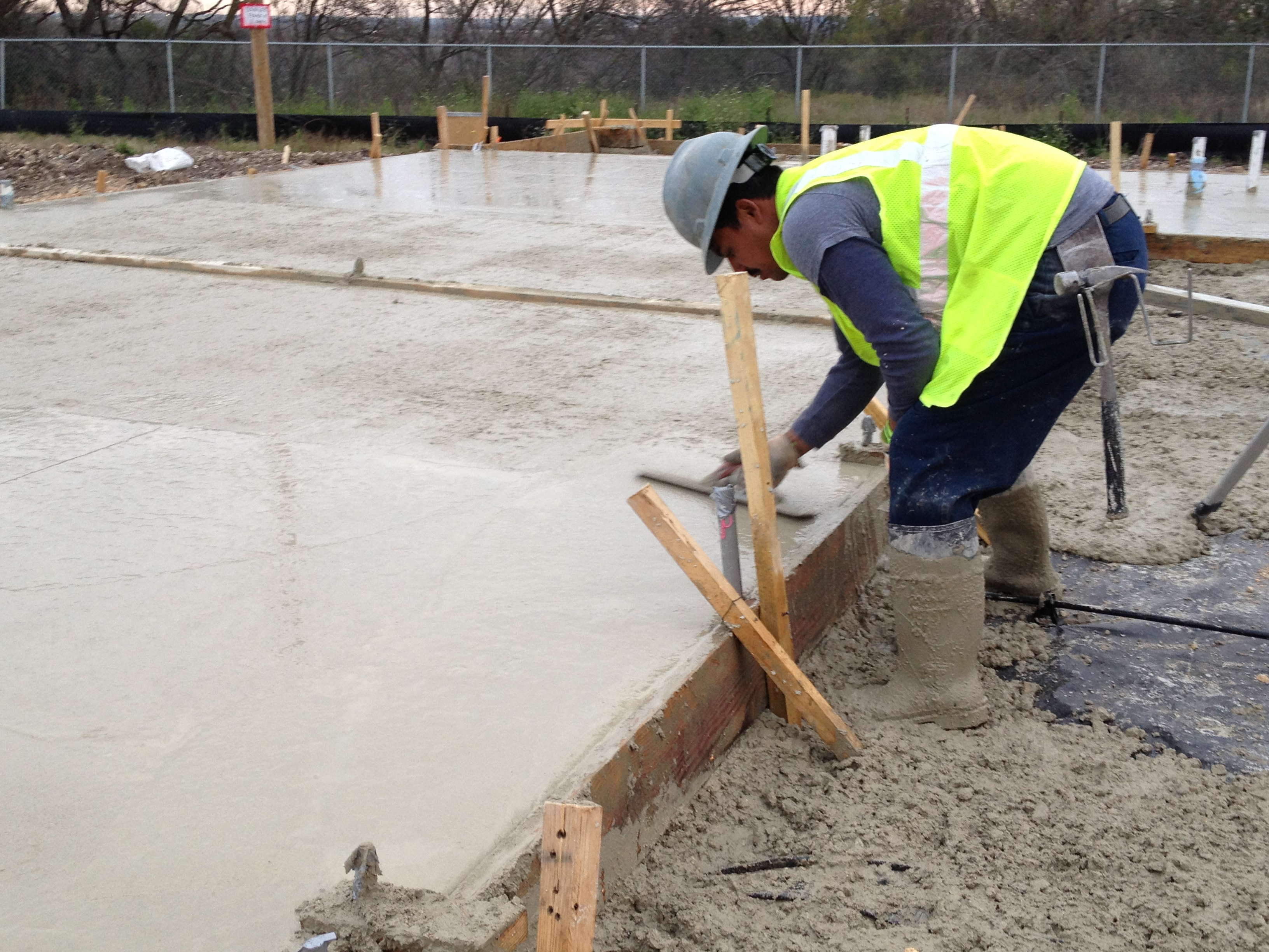 Now Hiring- Concrete Finishers